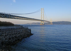 20150514akashi_kaiky_bridge_west_sh